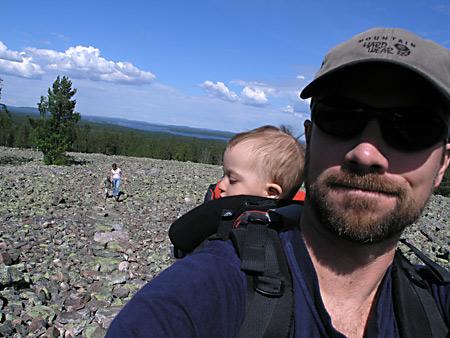 På väg upp på Bälingeberget, Luleå