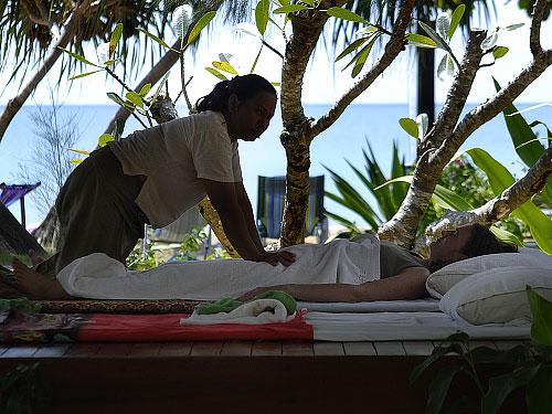 Massage och getingstick